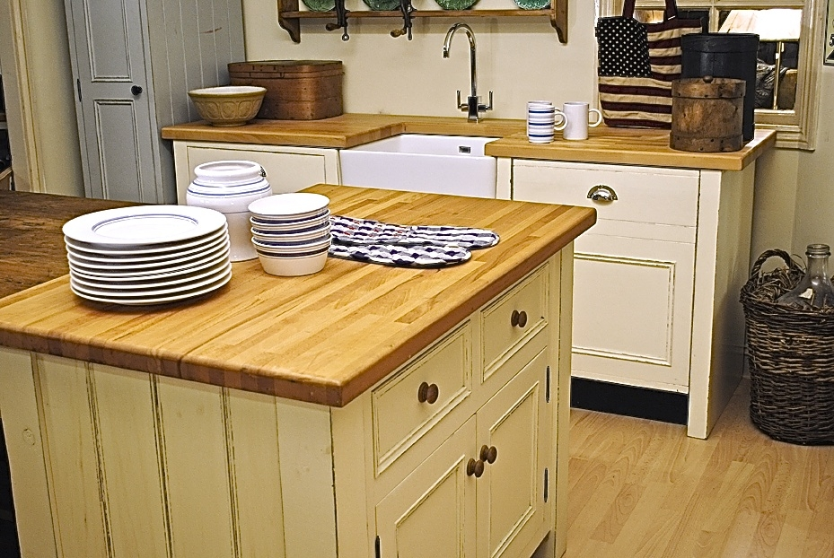 White Freestanding Kitchens • Oak Free Standing Kitchens
