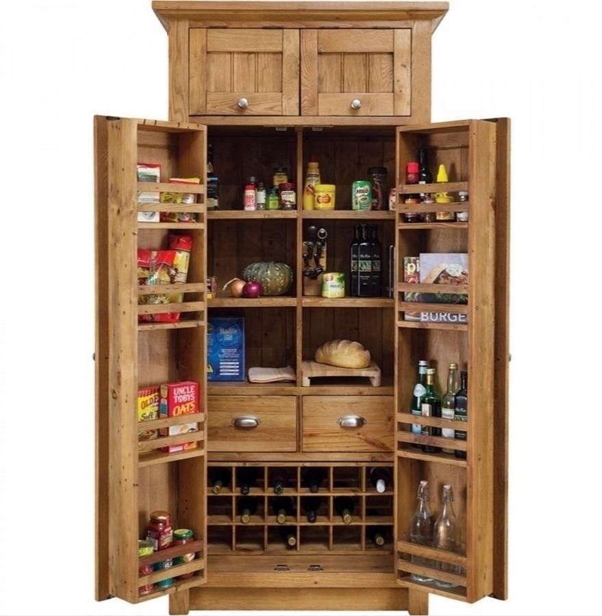 Le mini grande larder for Oak kitchen larder units